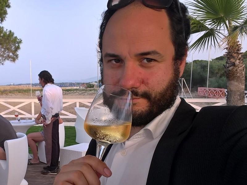 Tommaso Caporale alla guida di Vinitalia.tv, web tv ideata da Piero Muscari